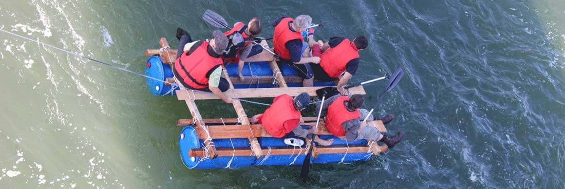 Floßfahrt nach eigenem Floßbau