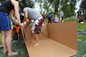 teambuilding pappboot bauen