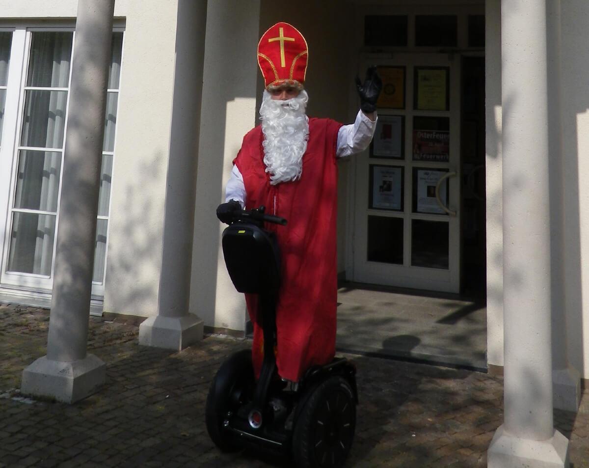 Weihnachtsfeier Segway Nikolaus